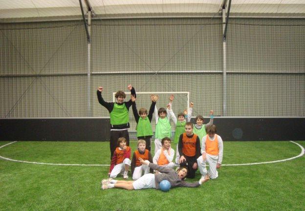 foot indoor - équipes de 5 contre 5, à partir de six ans