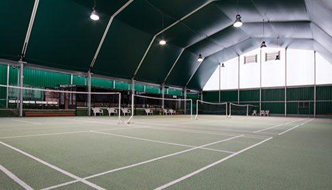 Jouez au Badminton au ClubdelHers 6 terrains ouverts 7j/7j 22h en semaine et 18h le week-end